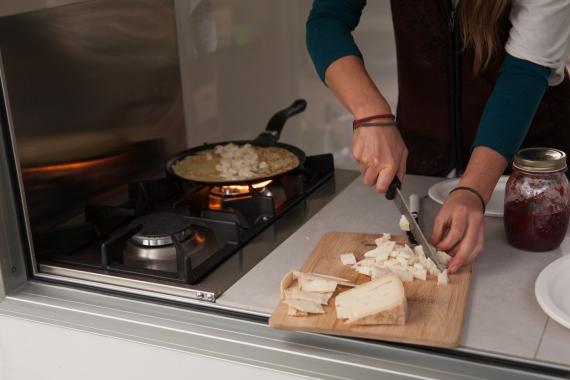 preparazione formaggio per crepes